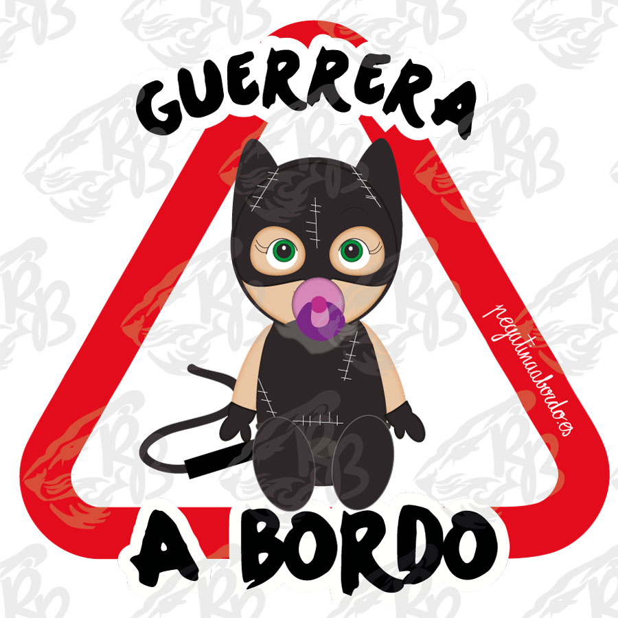 GUERRERA CAT WOMAN SENTADA A BORDO
