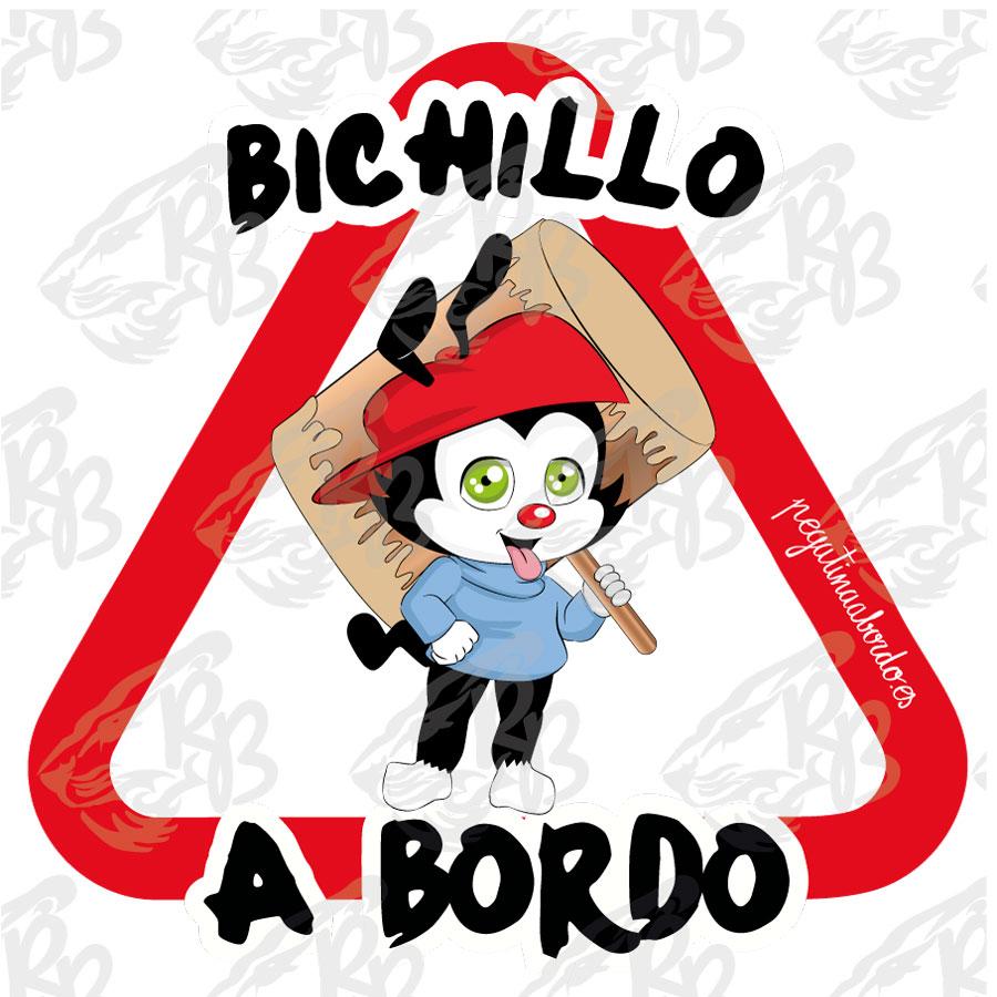 BICHILLO CON GORRA ROJA A BORDO